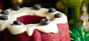 Kick-off the Christmas season with this amazing red Velvet bundt cake