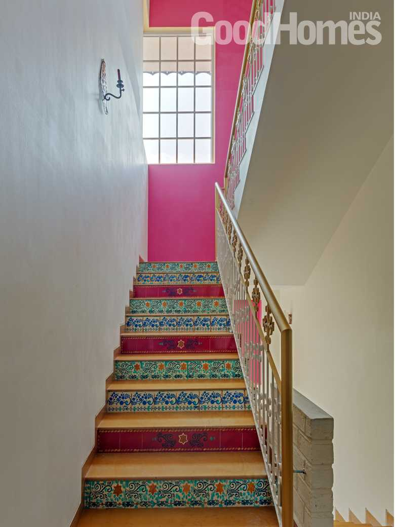 Staircase pink theme