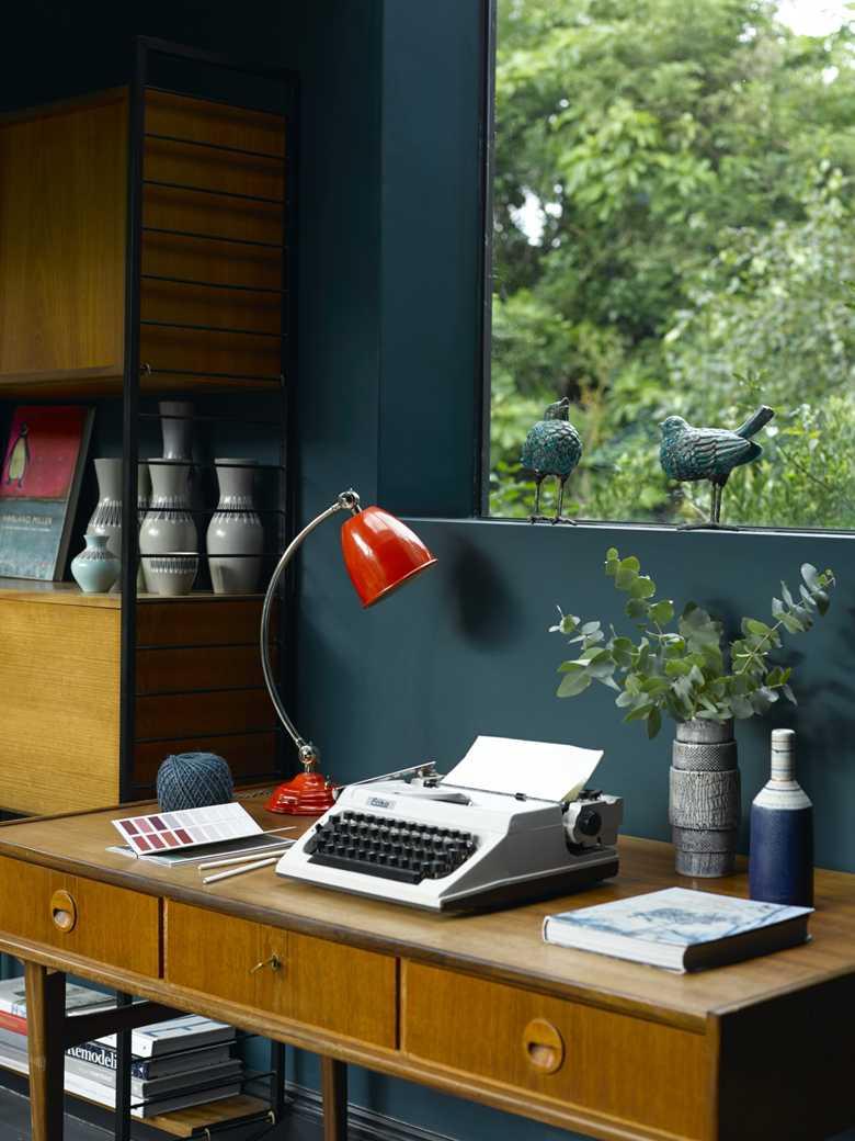 Cantona Table Lamp.jpg