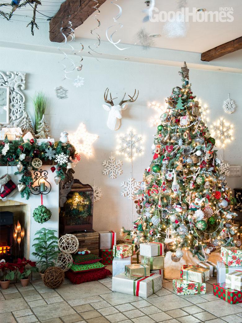 Christmas tree and pretty wall lights