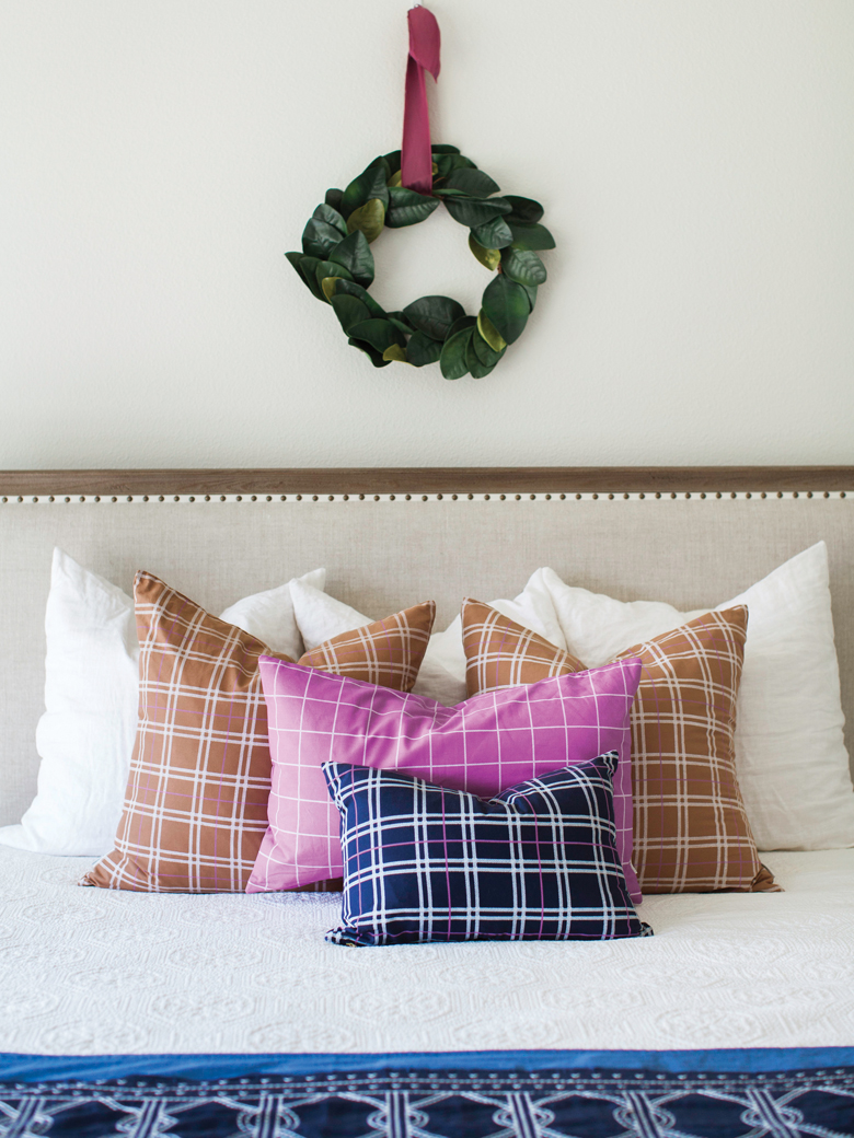 Plaid cushions and wreath ideas
