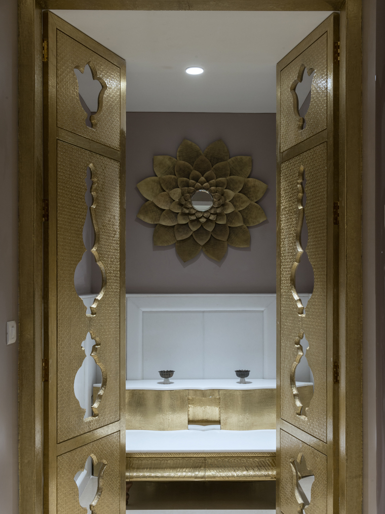 Bronze wash room area
