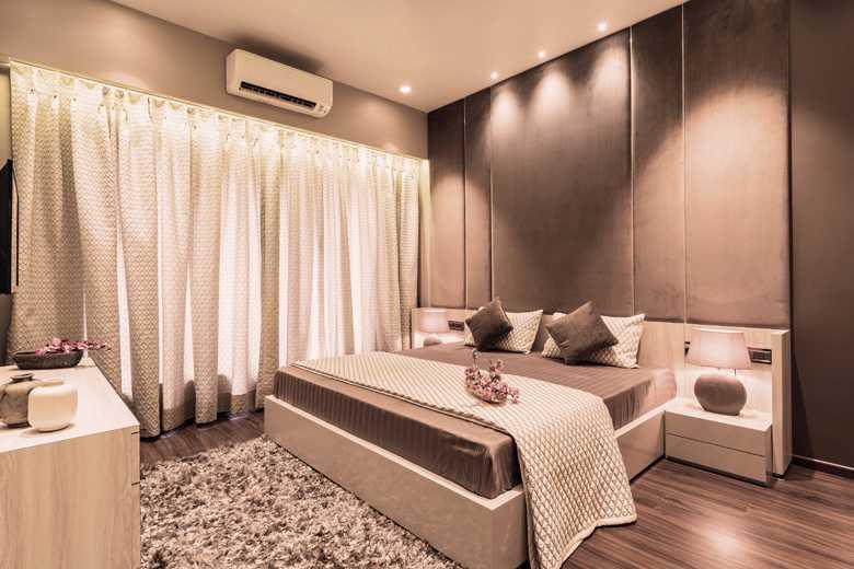 10 Master Bedroom_1.jpg