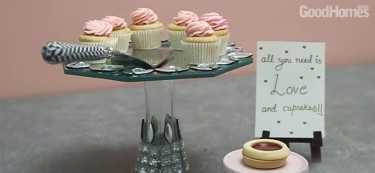 DIY: The Crystal Cake Stand