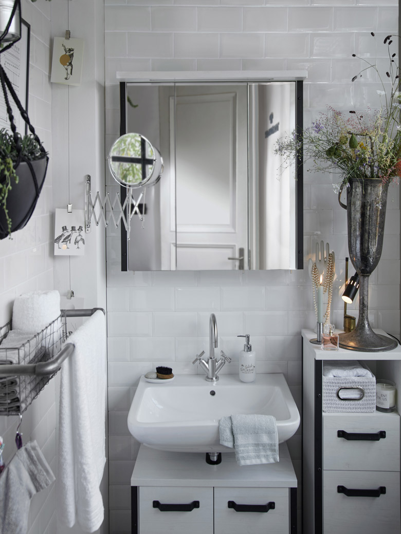 Stunning Ideas For Stylish Bathroom Accessories