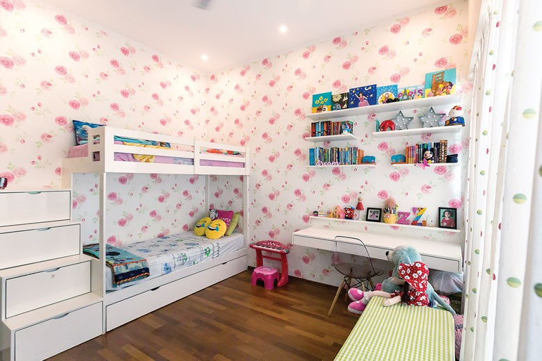 Kids bedroom wtih bunk bed