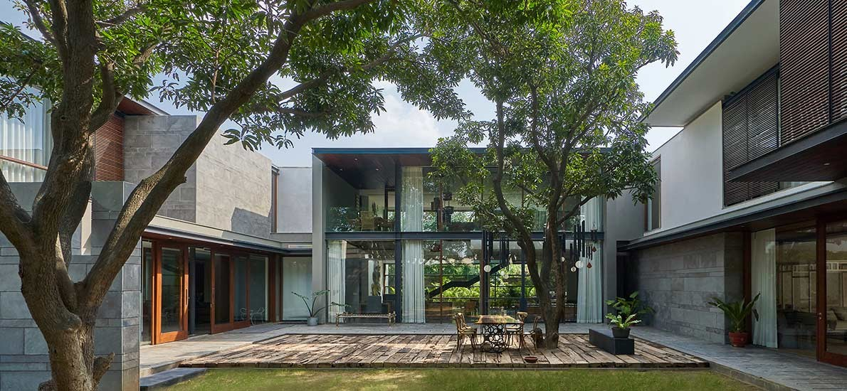 A spacious, nature-inspired 10,000sqft New Delhi Home