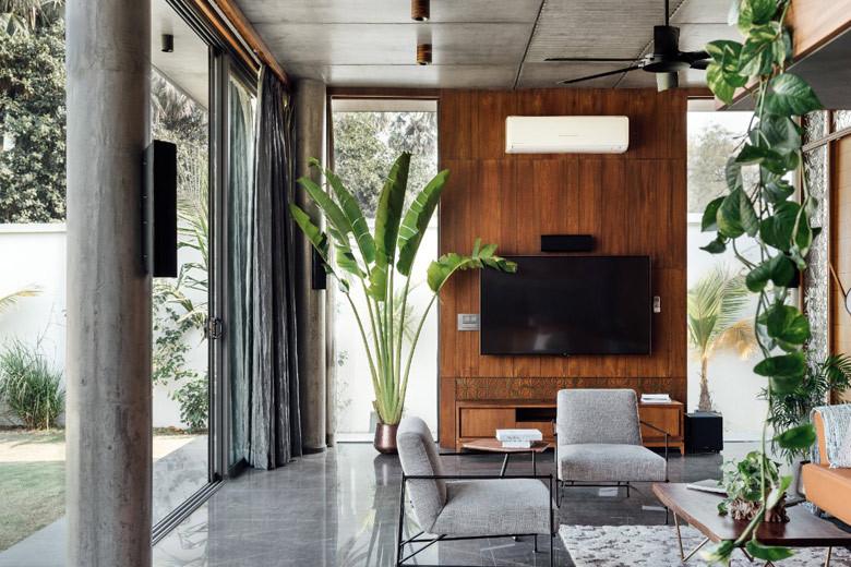 indoor2