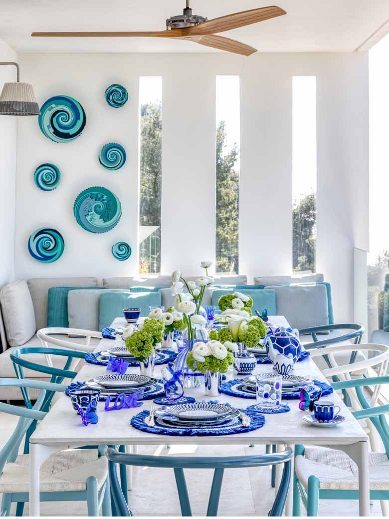 Blue and white dining room
